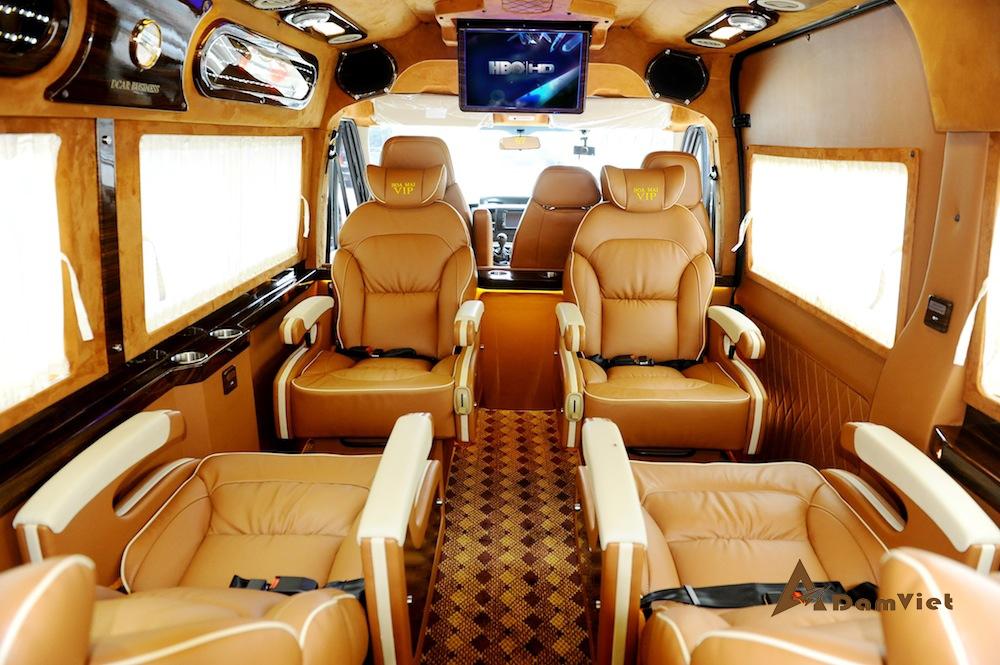 Cho Thuê Limousine 9 Chỗ Và 18 Chỗ