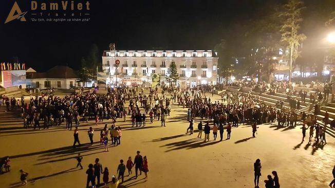 Chợ đêm ở Sapa