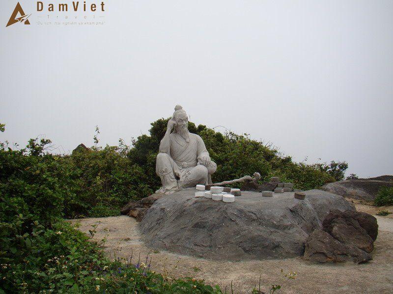 Đỉnh Bàn Cờ trên bán đảo Sơn Trà
