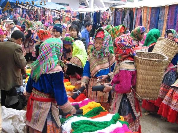 phiên chợ ở Sapa