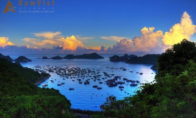 Bãi tắm Ba Trái Đào ở Hạ Long