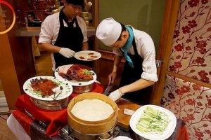 Du lịch Thái Lan – Thưởng thức buffet Baiyoke